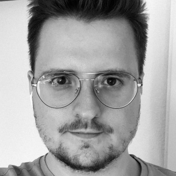Jannik Kurth - Director, DE